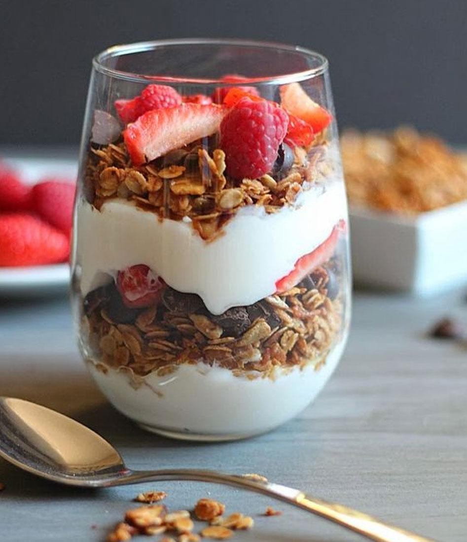 https://cremuccino.com/wp-content/uploads/2018/06/yogurt.jpg